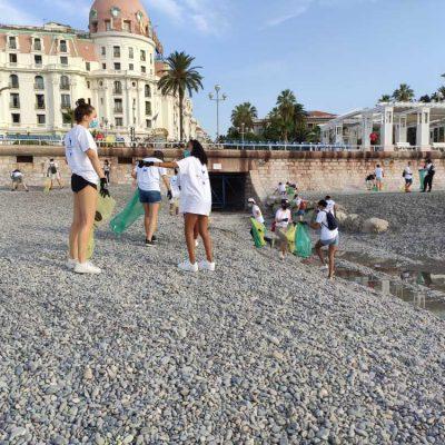 musee-oceanographiqe-nettoyage-plage1